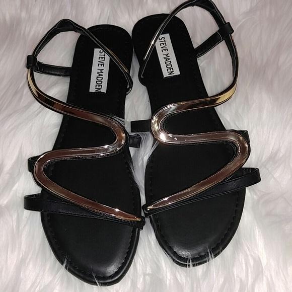 d8d0c80f23c Steve Madden Shoes - Steve Madden Swerve Gold Black Sandals 8